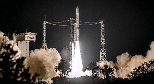 Vega a quota 11, missione perfetta: il razzo dell'Avio di Colleferro allunga il record mondiale dei lanciatori di satelliti Video