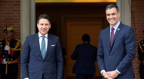 Virus, asse Conte-Sanchez: «Recovery fund entro luglio»