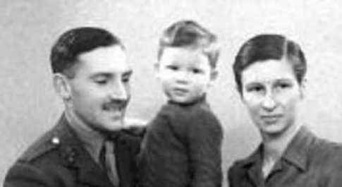 Il piccolo Roger Waters com in genitori
