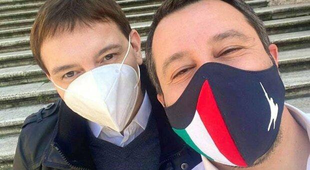 Luca Morisi: flacone non è mio e non ci sono sequestri, «C'è un altro indagato»