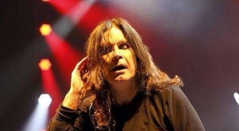 Ozzy Osbourne ricoverato in ospedale: «Complicazioni da influenza»