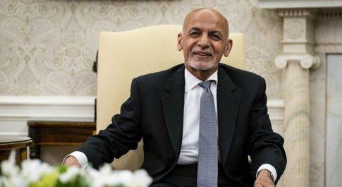 Afghanistan, l'ex presidente Ghani è ad Abu Dhabi. «Fuggito con 169 milioni dalle casse dello Stato»