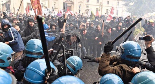 Gli scontri a Firenze