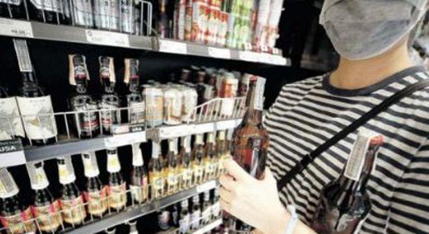 Alcol in quarantena, allarme per le donne: 2 milioni e mezzo a rischio