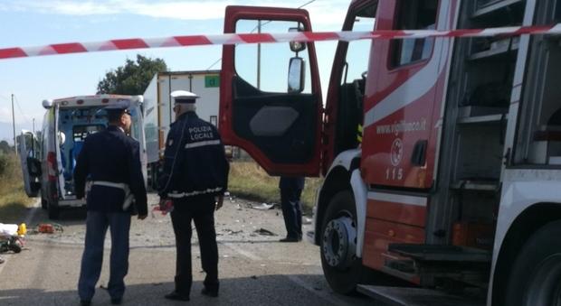 Scontro auto-moto sulla Collatina muore centauro di 37 anni
