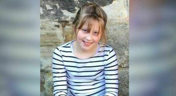 Tumore, bimba muore a 10 anni: il lockdown le impedisce il viaggio per le cure sperimentali