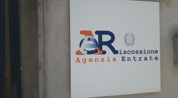 Pace fiscale, lunedì alla cassa 1,8 milioni di italiani: chi non paga perde i benefici