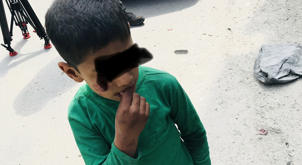 Siria, i 20.000 i bambini fantasma senza sorriso: orfani e mai riconosciuti da nessuna anagrafe