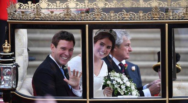 Risultati immagini per regina elisabetta al matrimonio di eugenie