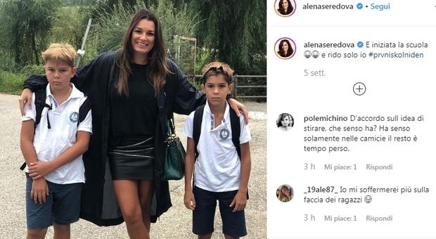 Alena Seredova, su Instagram le critiche alle maglie dei figli. «Perché non stiri?»