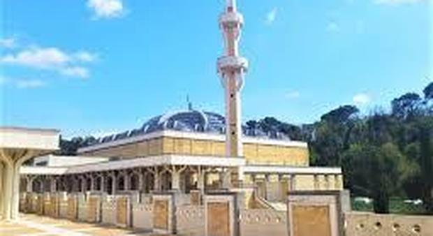 Coronavirus, Grande Moschea di Roma vieta il rimpatrio delle salme e cambia i riti funebri