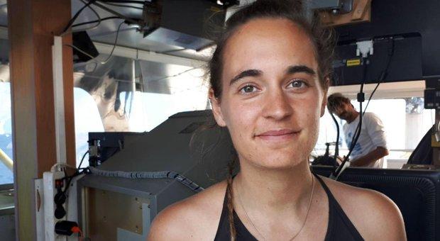 La Francia premia Carola, la replica di Salvini: «Parigi non ha di meglio da fare»