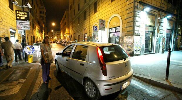Roma, Ztl San Lorenzo e Trastevere spostata alle 23 invece che alle 21.30 per aiutare i ristoranti