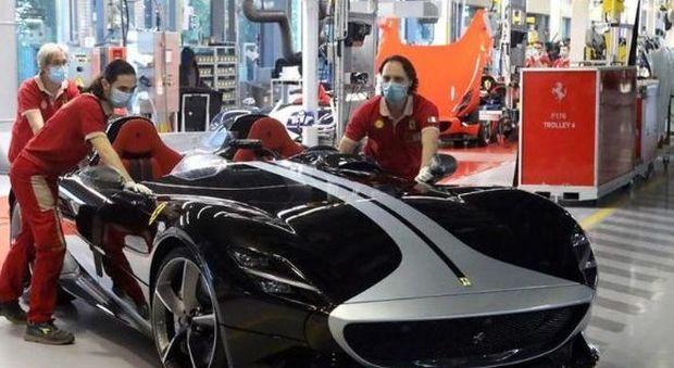 Ferrari prima ad abbattere un tabù: nessuna differenza di stipendio tra uomini e donne