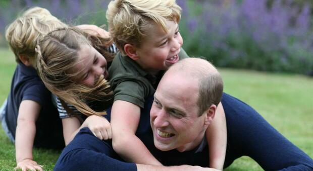 Il principe William e le letterine per nonna Diana: quel «messaggio nascosto» e il rapporto difficile con Harry