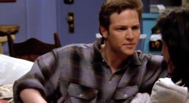 Stan Kirsch, morto suicida l'attore di Highlander e Friends: si è impiccato nella sua casa di Los Angeles