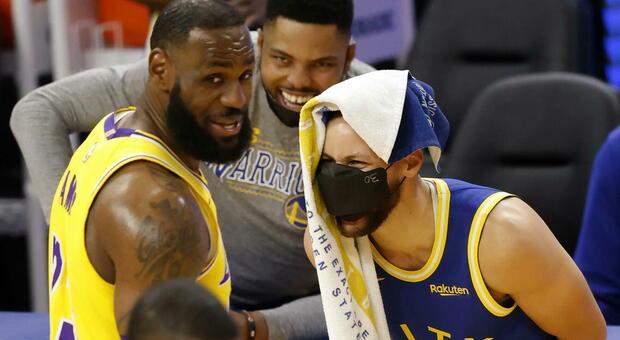 Ai Nets il derby di New York, Lakers ok con Golden State grazie a un super LeBron