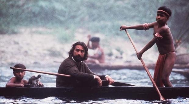 Robert De Niro in Mission con musiche di Morricone