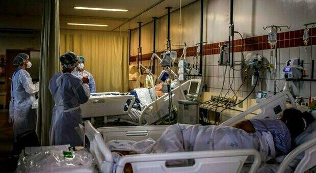 Covid, il bollettino: 3.023 nuovi casi e 30 morti