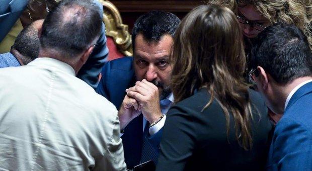 Il diktat di Salvini: «Via tra ministri»