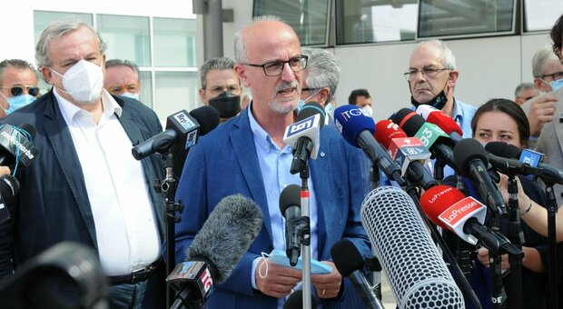 Covid Puglia, Lopalco: «Campagna vaccinale antinfluenzale ha fallito. Il Natale? Autoregolazione non basta»