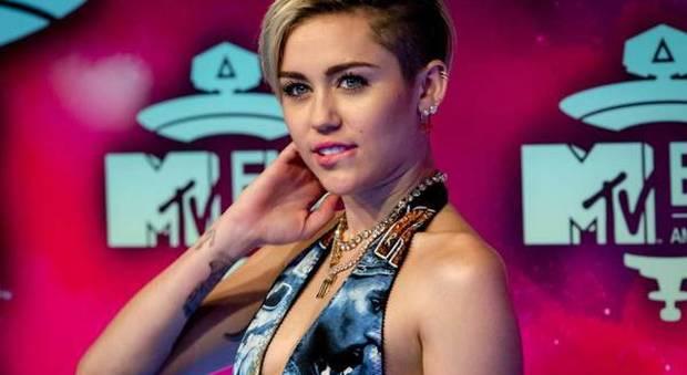 immagine Miley Cyrus compra ranch da 5,8 milioni di dollari