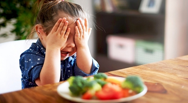 Dieta vegetariana o vegana per 100 mila bambini in Italia, l'allarme dei pediatri: «Possibili carenze, serve fare l'esame del sangue»