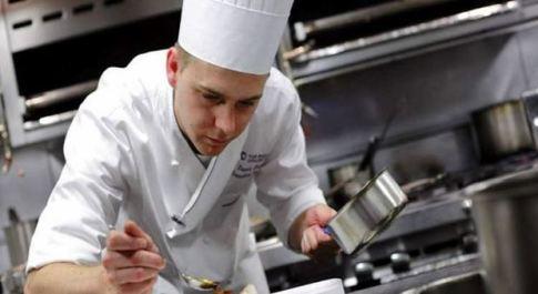 Coronavirus, il manifesto degli chef: «Benessere e ospitalità per la rinascita della ristorazione»