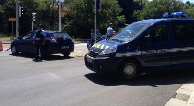Francia ancora nel terrore, si arrende l'uomo armato barricato in un hotel vicino ad Avignone