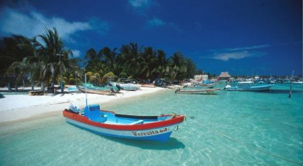 Covid, il Messico ha fretta: da Tulum a Cancùn, liberi tutti per spingere il turismo