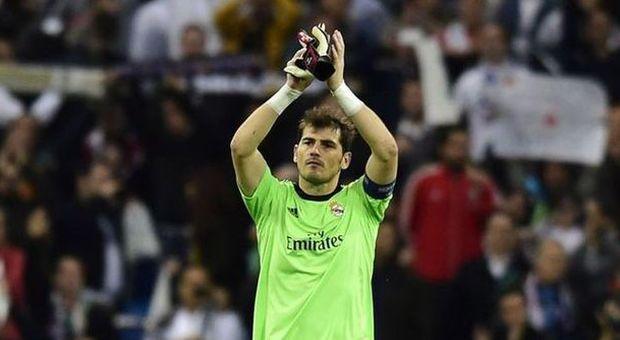 Casillas lascia il Real Madrid dopo 25 anni: l'ultimo tuffo è al cuore