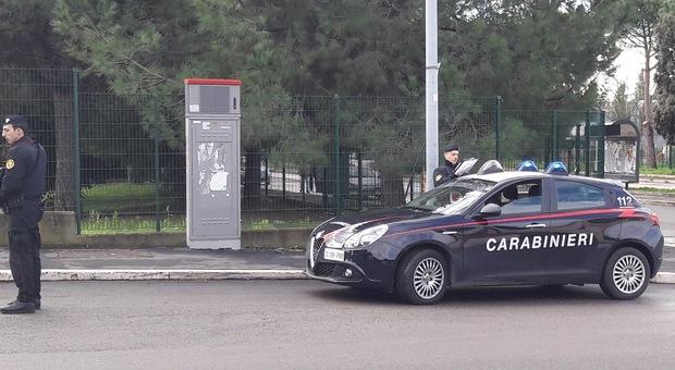 Roma, lite tra automobilisti in via della Lite: due romeni arrestati dai carabinieri