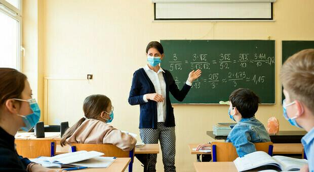 """Scuola e Covid, l'appello di """"Condorcet"""": «Studenti in presenza, cambiare il calendario scolastico»"""