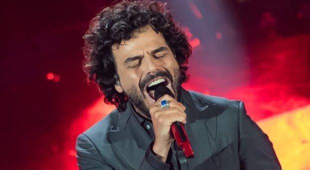 Sanremo, il dramma di Francesco Renga: «Papà ha l'Alzheimer, parla solo di mamma»