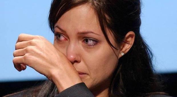 Tumore, mutazioni dei geni Jolie, studio italiano: a rischio anche gli uomini