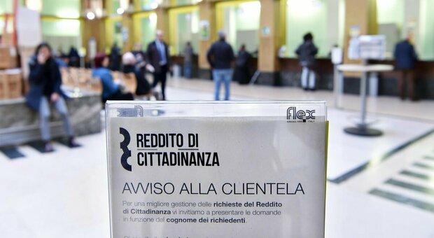Reddito di cittadinanza, Castelli: «Possibile norma per lavoro temporaneo ai percettori»
