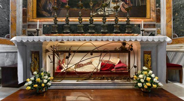 E' tornata a San Pietro la salma di San Giovanni XXIII dopo la trasferta a Bergamo