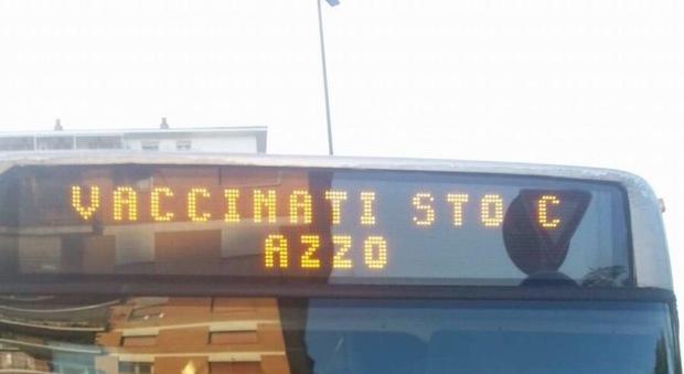 Atac, autista scrive su display bus un messaggio anti vaccini e posta su Facebook