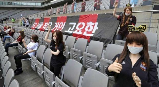 Sex toys al posto dei tifosi: gaffe del Seoul, il club si scusa pubblicamente