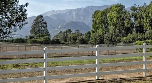 immagine Oprah Winfrey: 28 milioni di dollari per comprare ranch californiano e non avere vicini