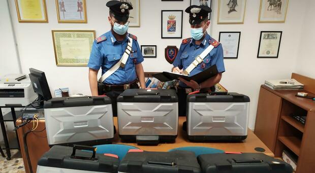 Furti ai mezzi in sosta sul lungomare di Sabaudia, banda messa in fuga dai carabinieri