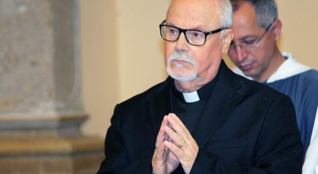 Diventa sacerdote a 73 anni: era già padre e nonno. Domani celebrerà la sua prima messa