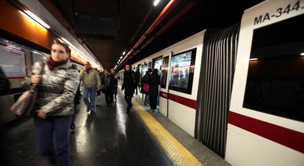 Pestaggio in metro, Atac: «Rilevato subito grazie alle telecamere, attivati i soccorsi»