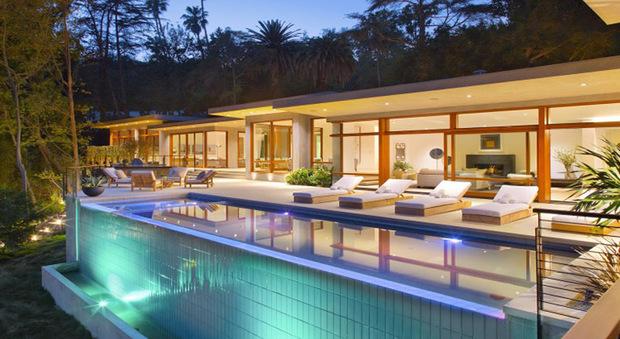 Ricky Martin: la vida è loca a Beverly Hills nella sua nuova villa da 13 milioni di dollari