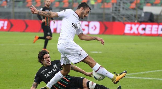 Venezia Salernitana 1 0 Decide Il 38enne Domizzi Crotone Carpi 1 1