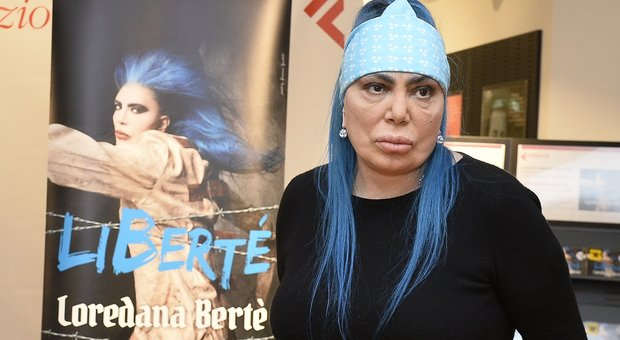 Loredana Bertè ospite nel talk show di Maurizio Costanzo