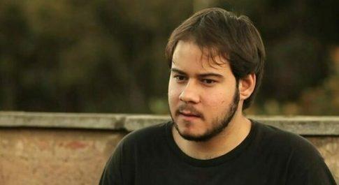 Barcellona, il rapper Pablo Hasél in prigione per i contenuti di tweet e canzoni