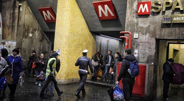 Roma, riaperta la fermata Spagna della Metro A la scala mobile per Villa Borghese