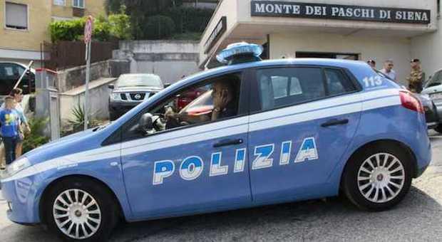 Ancona, falsi certificati per i permessi di soggiorno ...