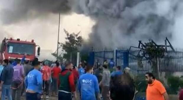 Egitto, incendio in una fabbrica di vestiti: 20 morti e 39 feriti